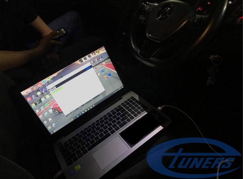 VW Golf 7 2.0 TDI - Etuners Stage1 ECu remap - being flashed via OBD2