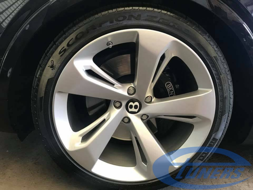 Bentley Bentayga 6.0 TFSI - Wheels