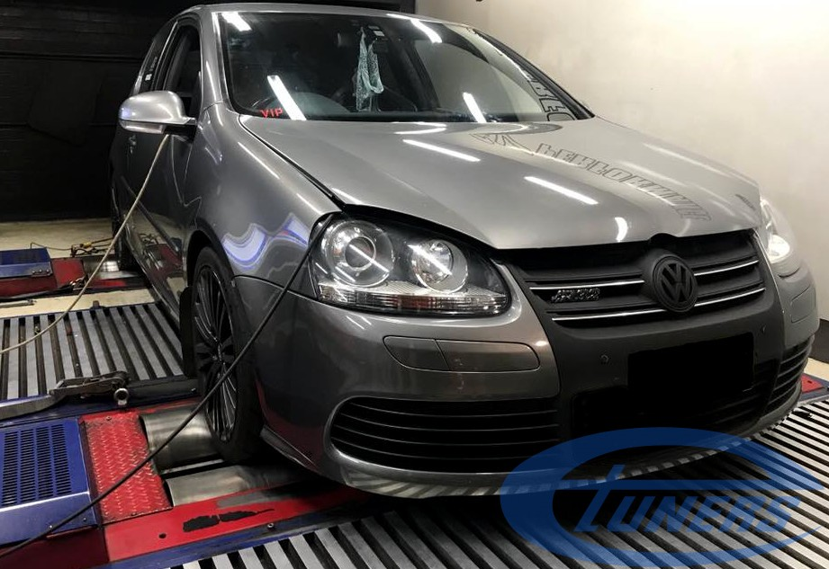 VW Golf5 R32 + Carlicious supercharger kit - DynoDynamics rolling road