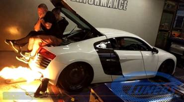 Audi R8 + CFI Designs turbo kit, throwing flames on dyno